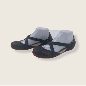 Ahnu by Teva Ballet Flats Shoes, Size 8